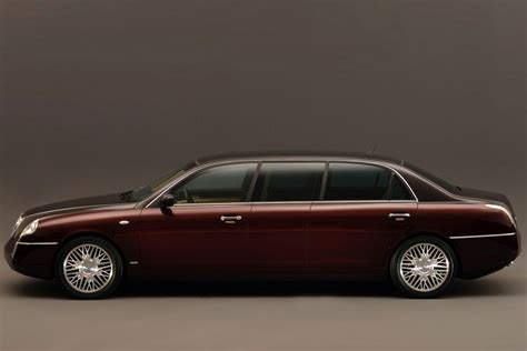 2015 Lancia Thesis – pictures, information and specs